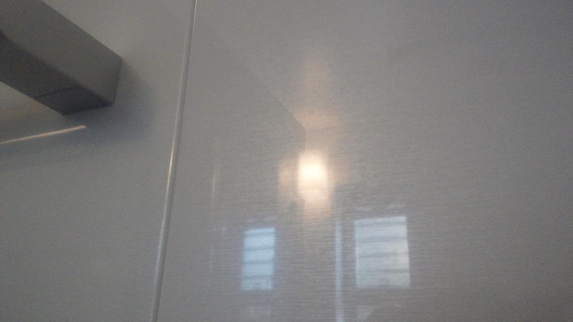 キレイになった浴室の壁面パネル