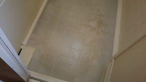 浴室の床汚れ