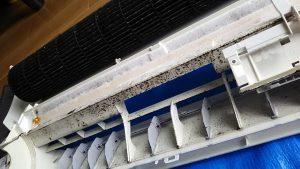 2011年製のシャープお掃除エアコン
