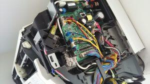 エアコンの解体洗浄