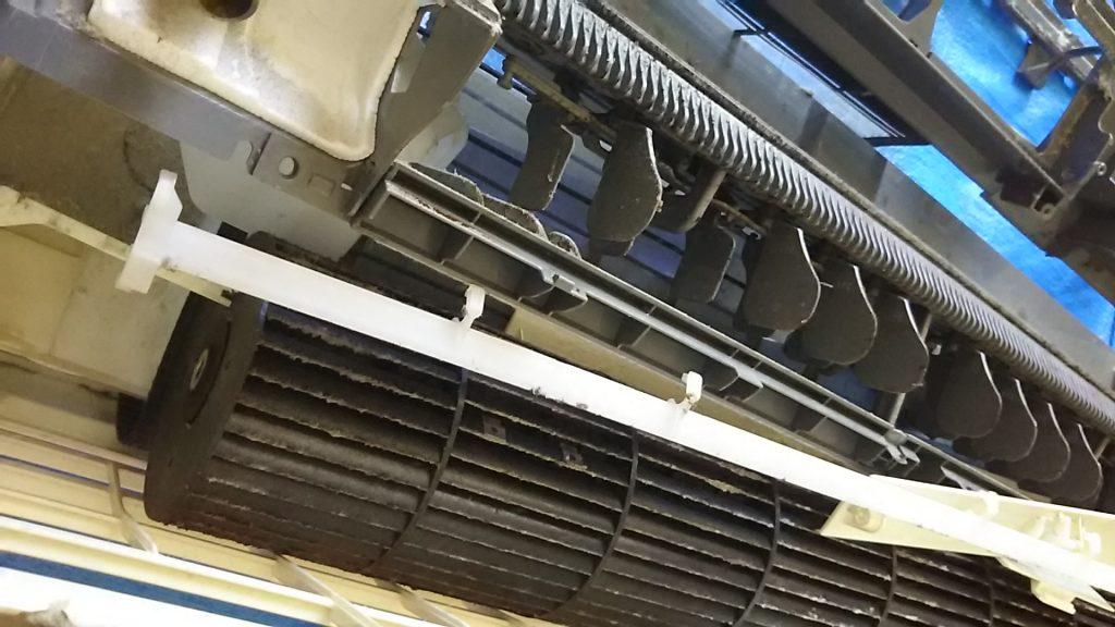エアコンから解体した部品