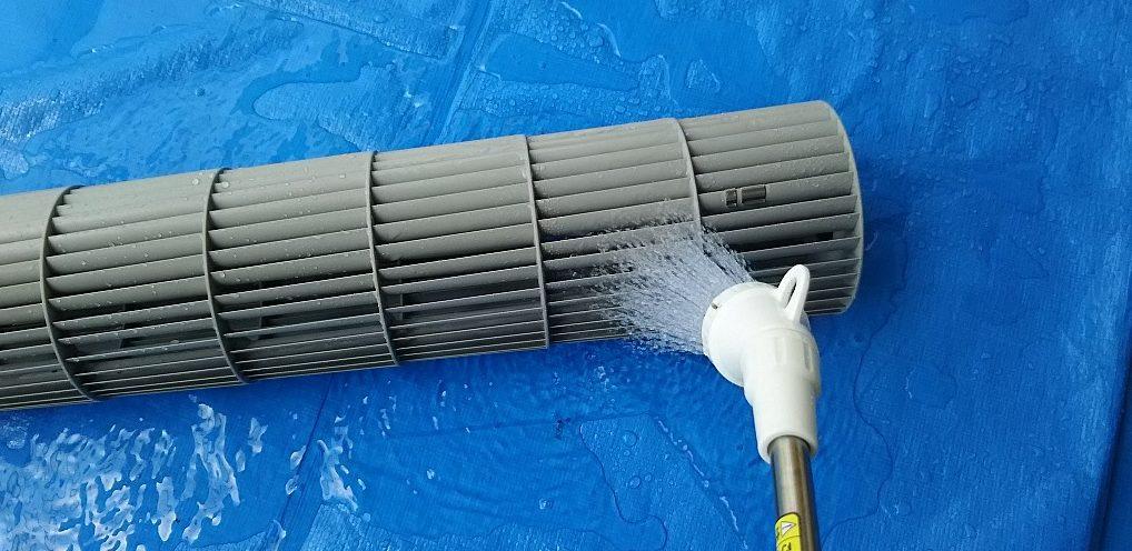 日立お掃除ロボットエアコン 分解クリーニング