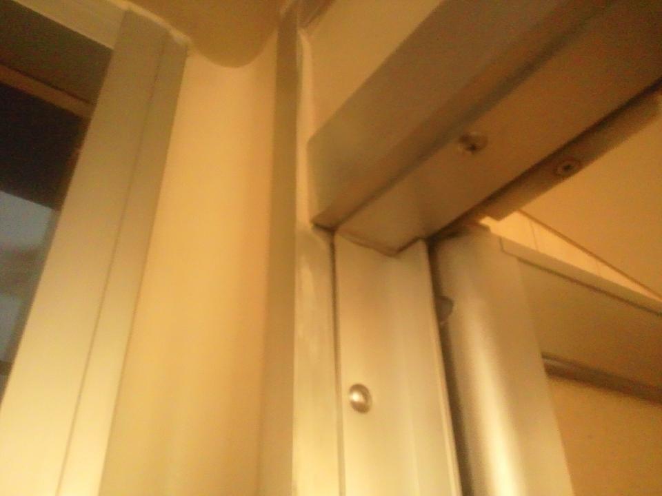 アルミ製の浴室ドア枠