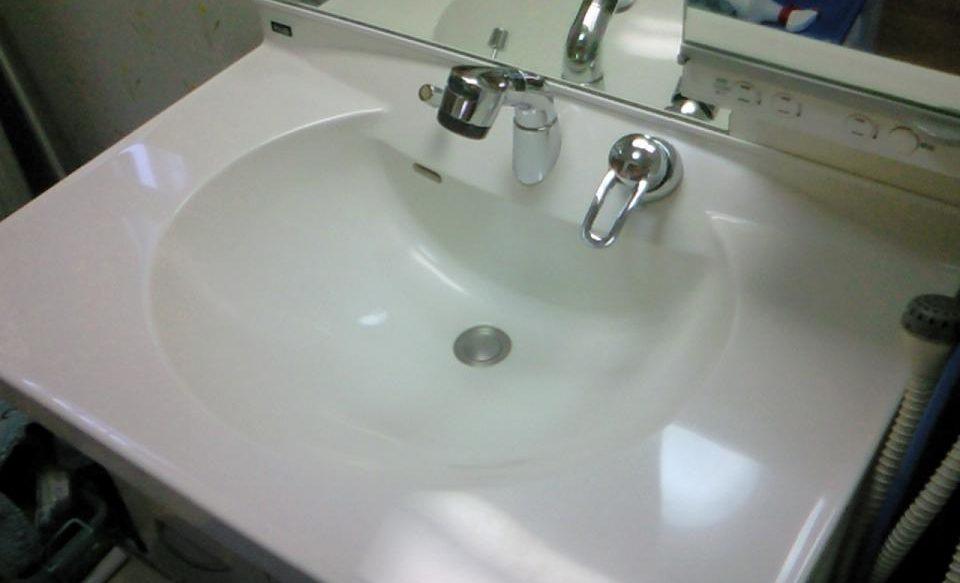 磨いた洗面化粧台