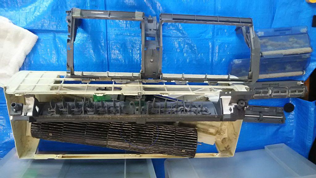 エアコン分解クリーニング洗浄 愛知県北名古屋市 お掃除ロボット