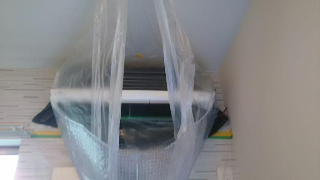 本体を高圧洗浄中 ダイキンエアコン 分解クリーニング洗浄 名古屋