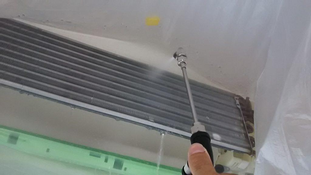 シャープお掃除エアコン 分解クリーニング 名古屋市