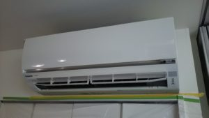 2011年製お掃除ロボットエアコン