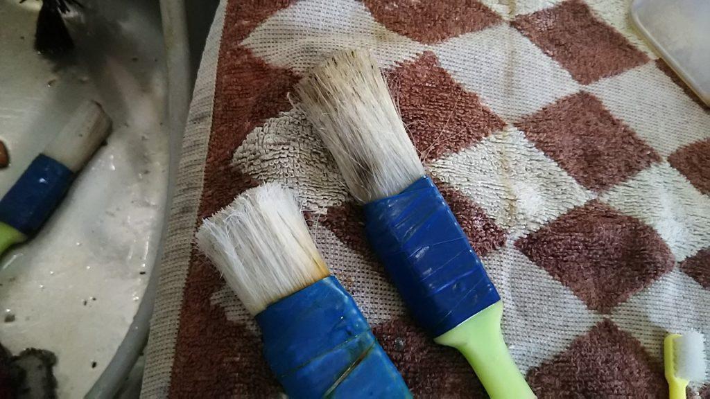 使い古したガーデニング刷毛