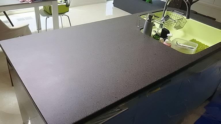 キッチン天板磨き前