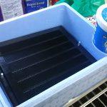レンジフードフィルター掃除は、発泡スチロールにオキシクリーン付け!