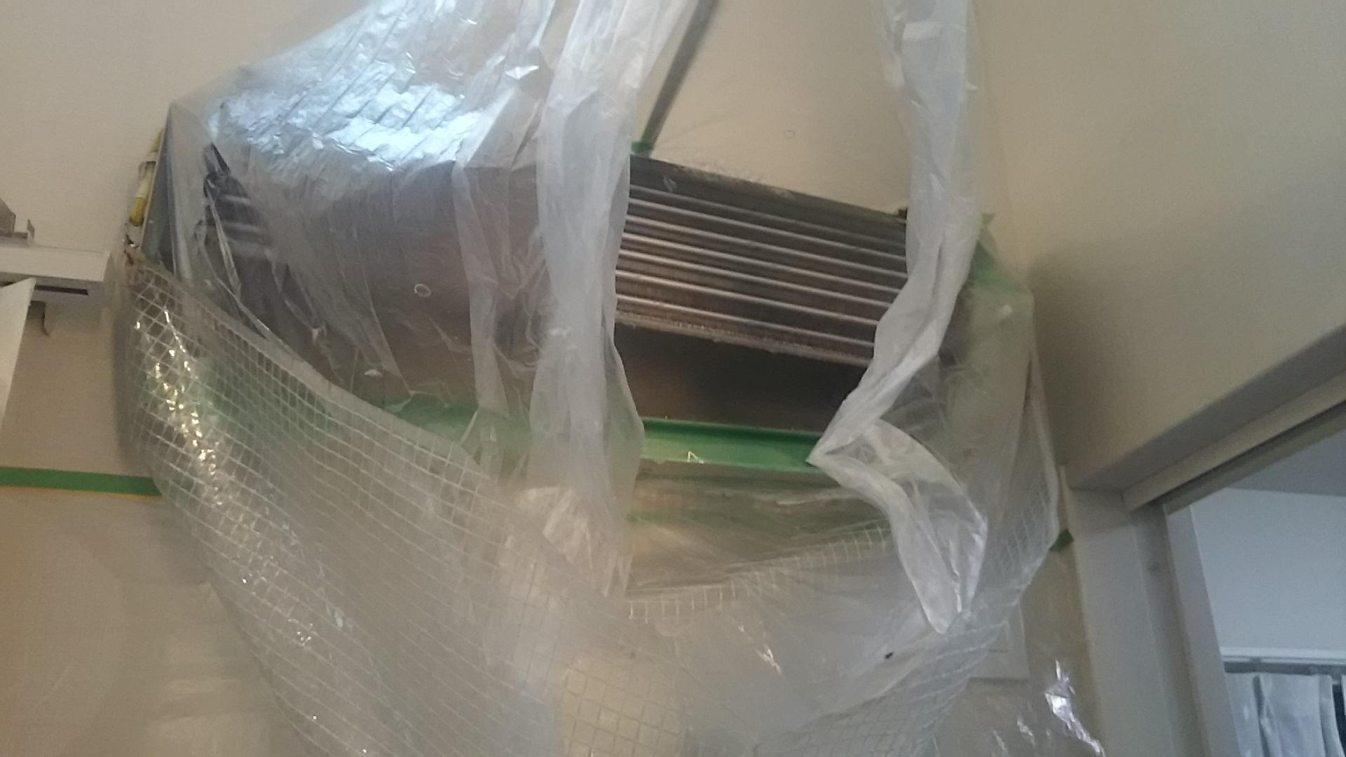 愛知県稲沢市でエアコン分解クリーニング